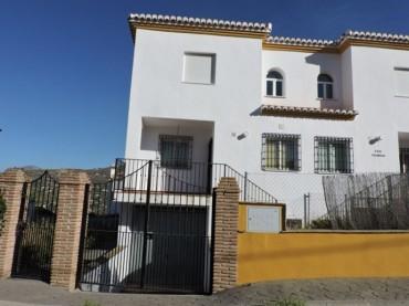 Townhouse, Alcaucín, R2809355