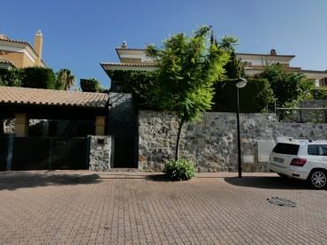 Villa, Santa Clara, R3249013