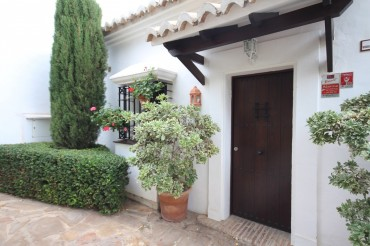 Apartment, Altos de los Monteros, R2790962