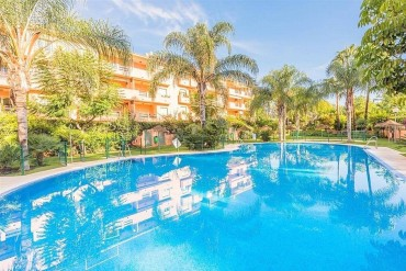Apartment, Las Chapas, R2948264