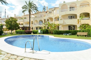 Apartment, El Paraiso, R3193501