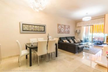 Apartment, El Coto, R3236554