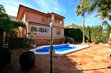 Villa, La Cala Hills, R3288304