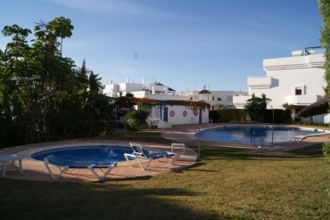 Apartment, El Paraiso, R3361360