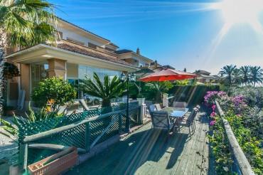 Villa, Santa Clara, R3376633