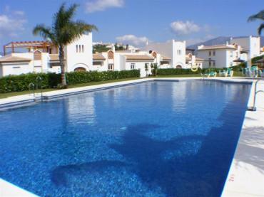 Apartment, Cerros del Aguila, R3397654