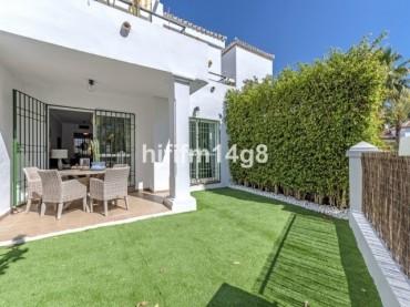 Apartment, Nueva Andalucia, R3415549