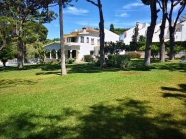 Villa, Costabella, R3437167