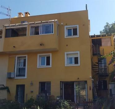 Townhouse, Sierrezuela, R3262984