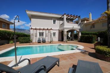 Villa, La Cala Hills, R3384715