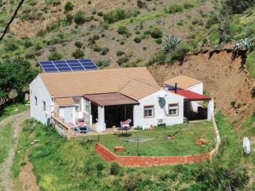 Villa, Alora, R3377023
