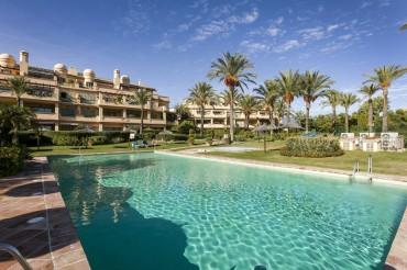 Apartment, Los Flamingos, R3475288