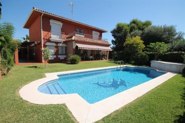 Villa, El Coto, R3286897