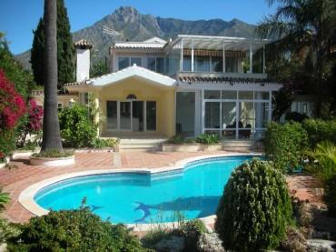 Villa, Nagüeles, R2016303