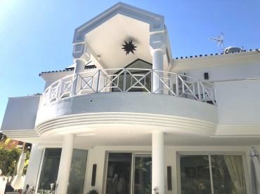 Villa, El Presidente, R3533188