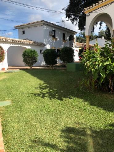 Townhouse, Elviria, R3540985