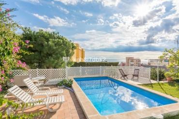 Villa, Malaga Este, R3556372